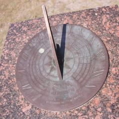 900px-dunningham_reserve_sundial_coogee_sydney