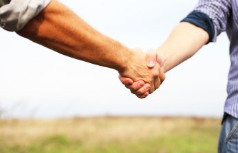 union-handshake-art-bf475c83f072bd2a